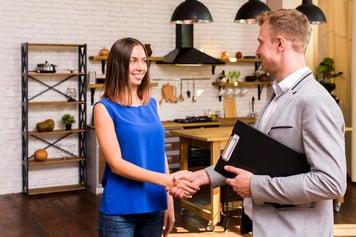 Vrei sa iți începi cariera în domeniul imobiliar? Iată ce trebuie să faci