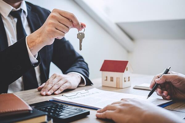 6-motive-pentru-a-deveni-un-adevărat-agent-imobiliar