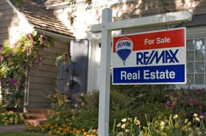 remax Sign_closeup